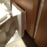 Silicone bathroom repairs