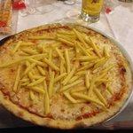 Pizza con patate e buffala