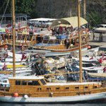 Туристы на яхте