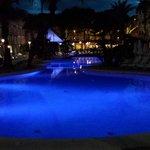 pool/strandområde kvällstid