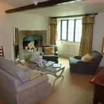 Oak Suite Lounge