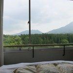 部屋から阿蘇5山が見れます