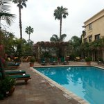 Beautiful pool area...you can easily forget that you're on the busy Sunset strip. VERY relaxing!