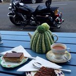 tea and buns