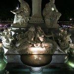 Brunnen vor dem Parlament
