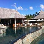 Bar vers la piscine