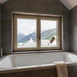 Ausblick aus dem hochgestellten Bad