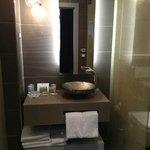 Junior Suite - bathroom vanity, very little space for 4 people