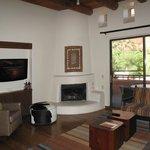 Suite 08 Livingroom