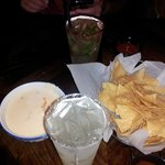 Margarita, chips & dip