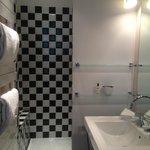 Open-door bath room