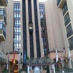 Fachada  hotel Saray, ascensores exteriores