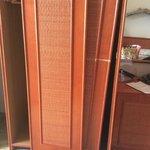 état de l'armoire dans une chambre vue mer