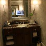 St Regis Hotel - Suite Basin