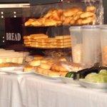 Croissants industriels servis au petit déjeuner