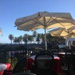 Utsikten från vårt bord. Det är Balcon of Europe som syns.
