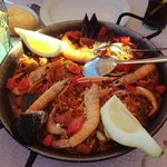 the amazing seafood paella!