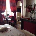 camera rossa, romantica,ampia,bella...