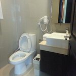 fully equip bathroom