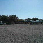 plage en face de l'hôtel