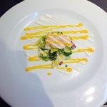 A la carte starter - Prawn and Avocado salad