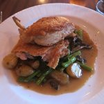 Oven-roasted chicken with fresh veggies