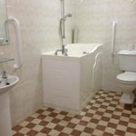 fully accessible walk in sit down shower