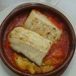 Merluza con salsa de tomate y morrones!!!