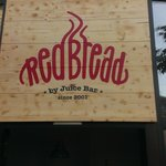 Fotografija – Red Bread