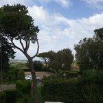 Vista del estacionamiento desde la casa