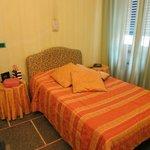 Номер с двумя комнатами и двумя раздельными кроватями