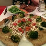 Lamb with rosemary and a wholemeal pizza with broccoli... Yum!!