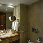 Ванная комната укомплектована всем нужным