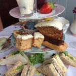 Yummy afternoon tea!! Has already ate a few things before I remembered to take a photo!