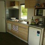 Vue de la cuisine dans le mobil-home