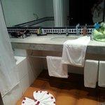 la salle de bain la fleur au sol spr