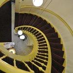 La escalera a la habitacion en tercer piso