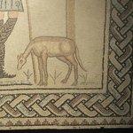 particolare del mosaico del Buon Pastore