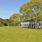 Spacious and beautiful grounds with guest charcoal grills and picnic tables