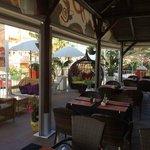 Restaurant and Terrace / Restaurante y Terraza