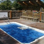 Hot Tub with cover (holds temperature)