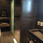 salle de bains un peu petite