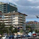 Hotellet, synligt från stranden