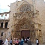 Exterior de la catedral.