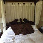 bed in Harry Hutspur room