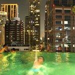 piscine le soir au Muse