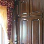 Large wardrobe (room 103)