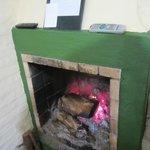 los leños ardiendo  sumados al calor humano