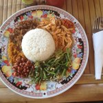 The search is over! Found what is ABSOLUTELY The BEST NASI CAMPUR IN THE WHOLE ISLAND. Clean, de
