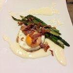 uovo taleggio ed asparagi